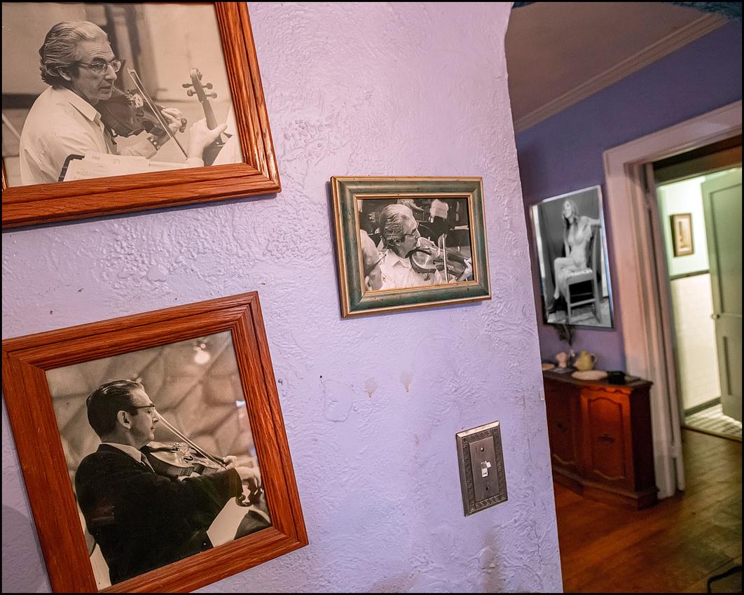 004_wall photos